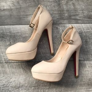 Nude High Heels - Shoe Dazzle - 5.5 Never Worn